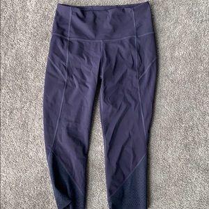 Crop purple lululemon yoga pants
